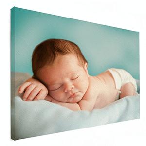 Fotoshoot van baby op canvas gedrukt